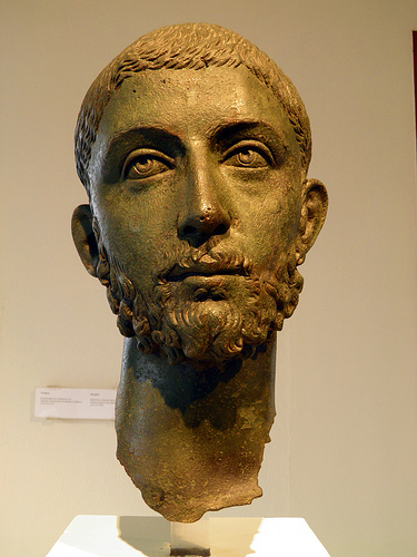 The addressee according to Göttsching: Severus Alexander - Photo: Carolemadge1,  Flickr, CC BY-SA 2.0 (Museum Dion)